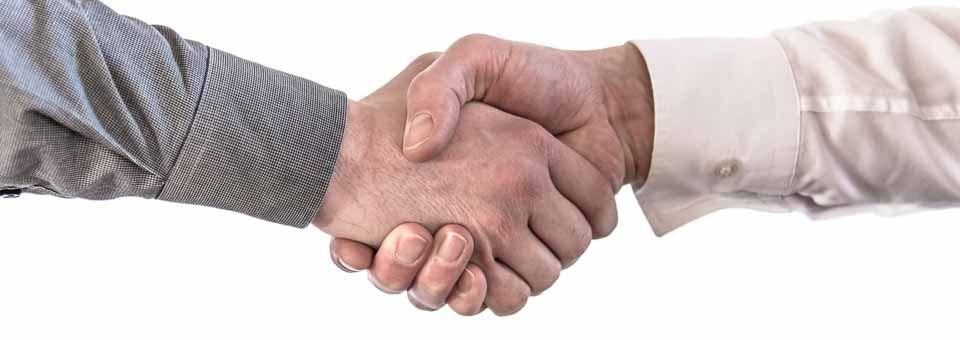 Händeschütteln als Symbol für eine erfolgreiche Mediationsarbeit
