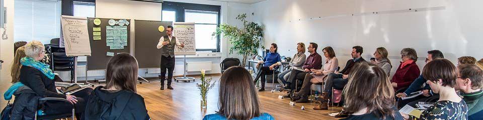 Gruppenseminar der Ausbildung für Systemisches Coaching & Changemanagement am INeKO Institut an der Universität zu Köln